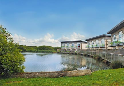 One bedroom Luxury Lakeside Apartment - Winnard's Perch