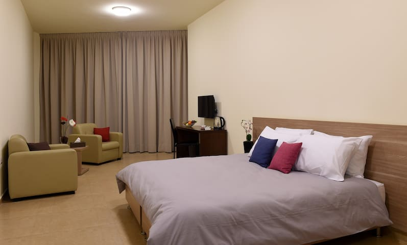 BYBLOSTAR SUITES /DELUXE ROOM - Byblos - Bed & Breakfast