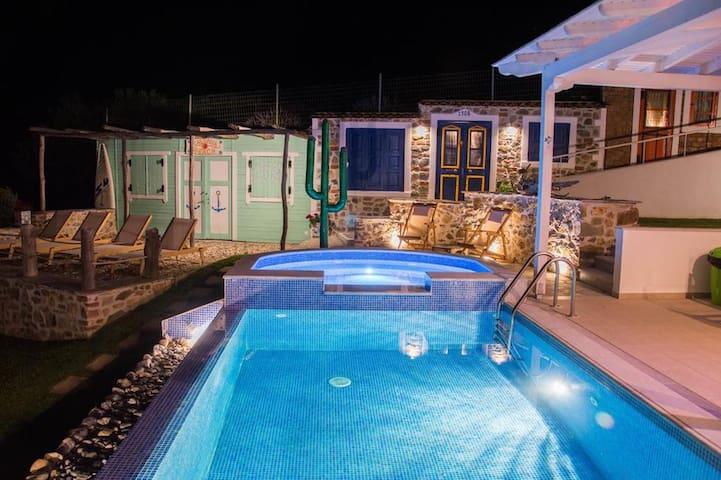 4BR SeaView Villa in Halkidiki, By UniqueVillas