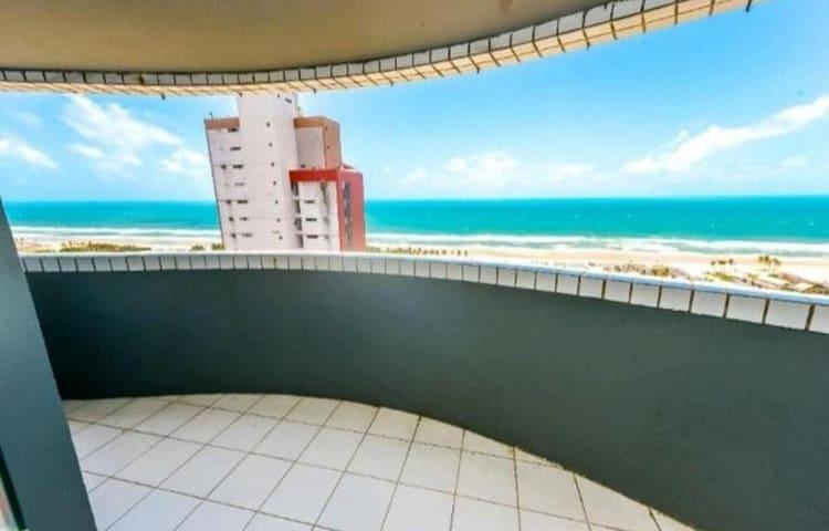Apto Vista para o mar 100 metros Praia do Futuro