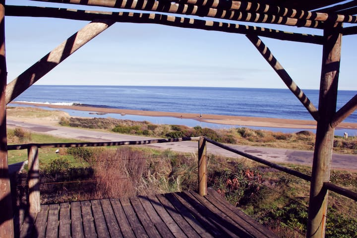 Punta Colorada Casa frente a la playa