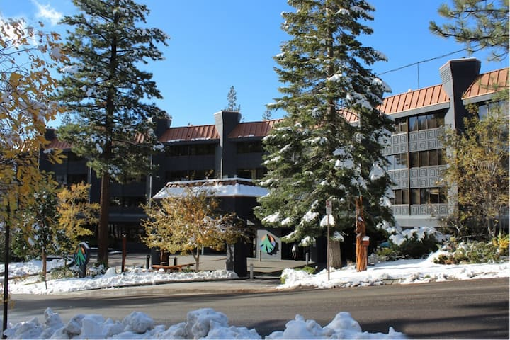 1BR Chalet at Tahoe Seasons across from Heavenly