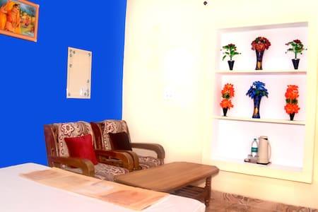 Orchha best homestay
