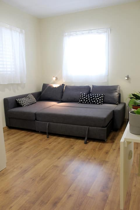 Quiet & Cozy Studio Apartment in Petach Tikva