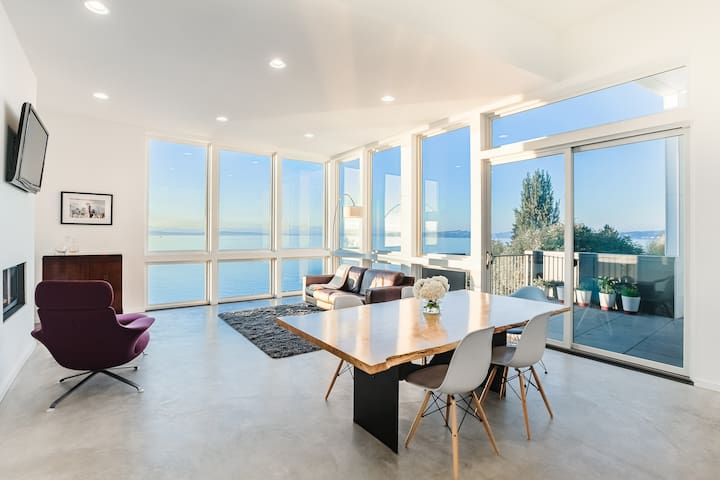FOR COMMERCIAL USE ONLY:Modern Home with Sea Views - Seattle - House