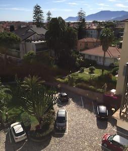 Bilocale vista mare a Bordighera - Bordighera - Apartment