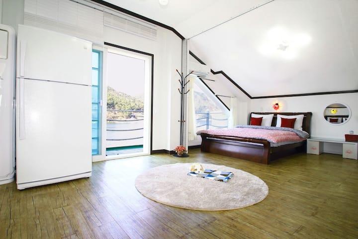 카사비앙카펜션-튜울립룸(3층, 30평형)