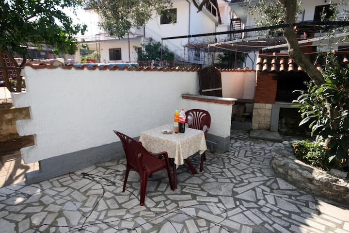 One bedroom apartment with terrace Podaca, Makarska (A-6050-b)