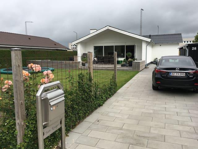 Dejligt 1 plans hus på Nellikevej 28, 8240 Risskov