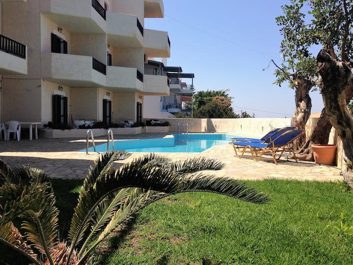 Sea View Apartment in a Great Location!!
