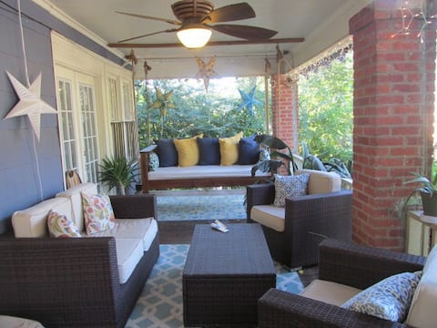 Beautiful 1920's Edgewood Bungalow w/ private room