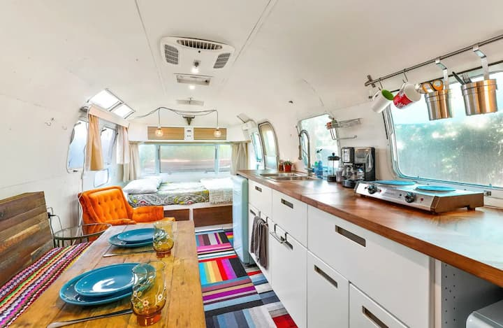 Renovated Retro Airstream-- Perfect Staycation!