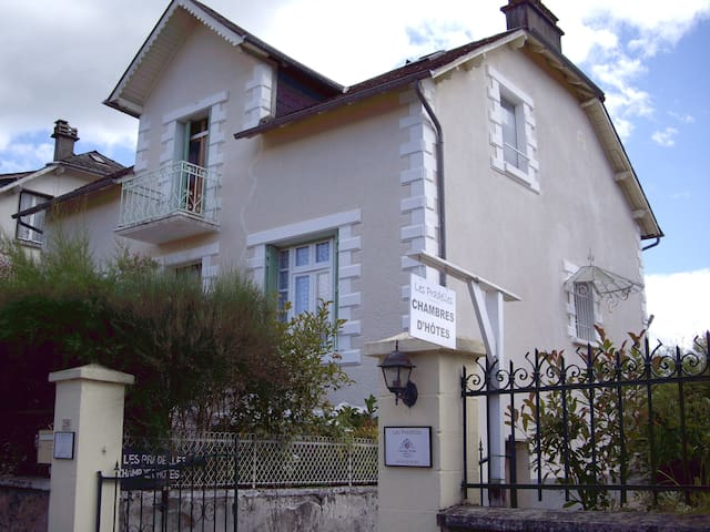 LES PRADELLES - Lapleau - Bed & Breakfast