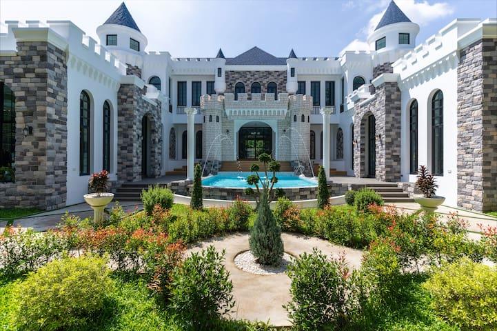 Unique🏰CasaM Villa perfect for vacation🏊Thai/En中