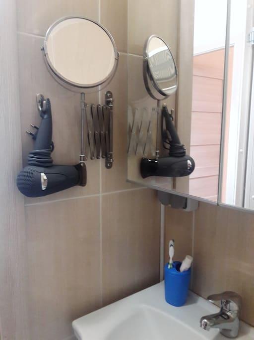 Утренний туалет - важная часть нового дня:)