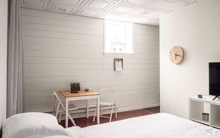Private Cozy Shiplap Studio Apartment!