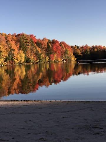 Lakefront Cabin on Deer Trail Lake
