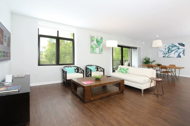 TRIBE ❤️ Comfort & Space 2BR Main Street Cupertino