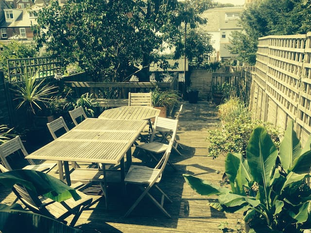 4 bedroom house sleeping up to 8 near Cowes marina - Cowes - Ev