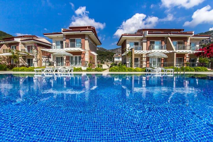 Sarıgermede 3+1 Yüzme Havuzlu Villa
