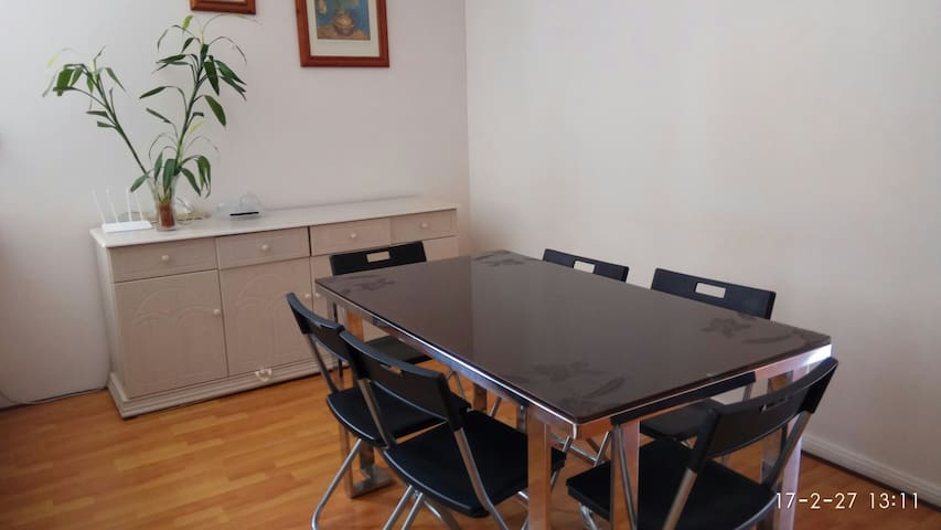3 bedroom home 5minutesWalkToEverything@Hurstville - Hurstville - Apartment