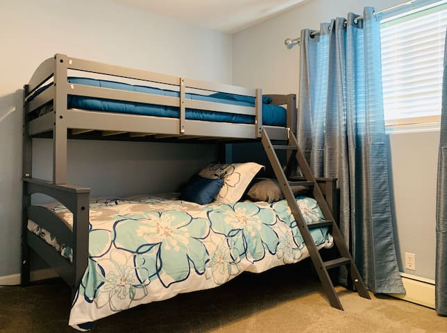 Master Bedroom #3/Twin over Full