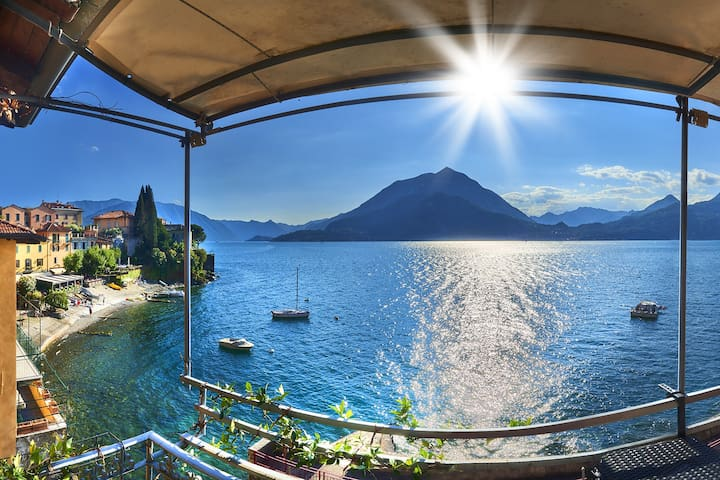 Varenna Front row veranda on the lake of Como
