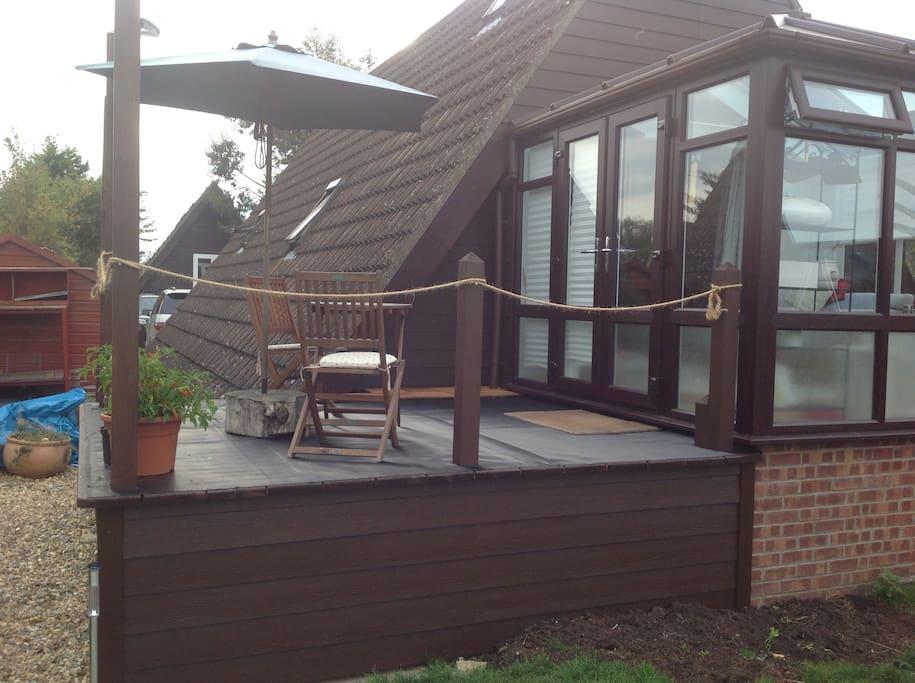 Side balcony - perfect for enjoying breakfast!