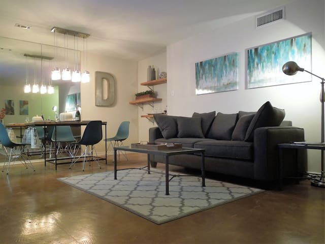 Dallas Designer Condo