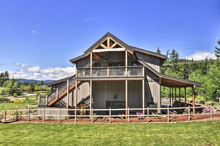 NEW! Luxury Barn-Style Getaway; 8 Mi to Hood River