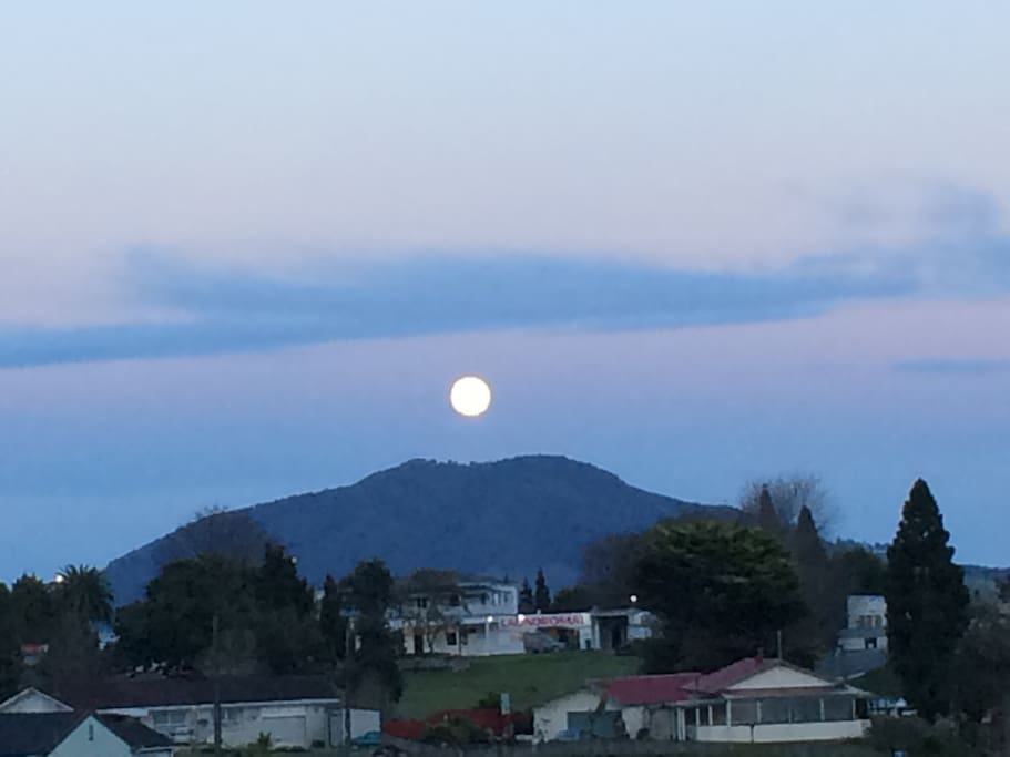 Full Moon over Kake Puka from the House