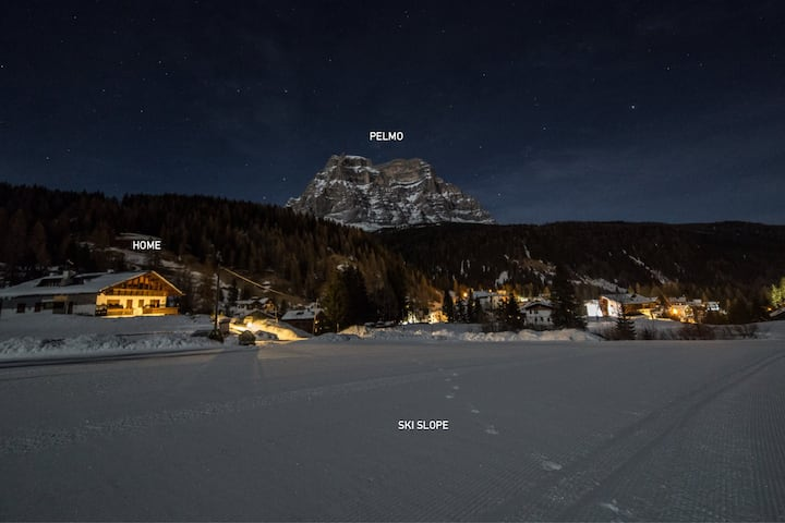Ski-in/out Chalet with fireplace in the Dolomites