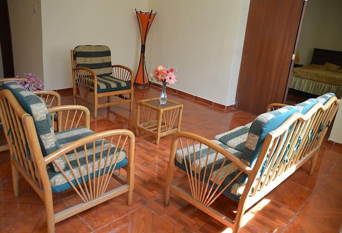 Departamento amplio luminoso y acogedor en Quito