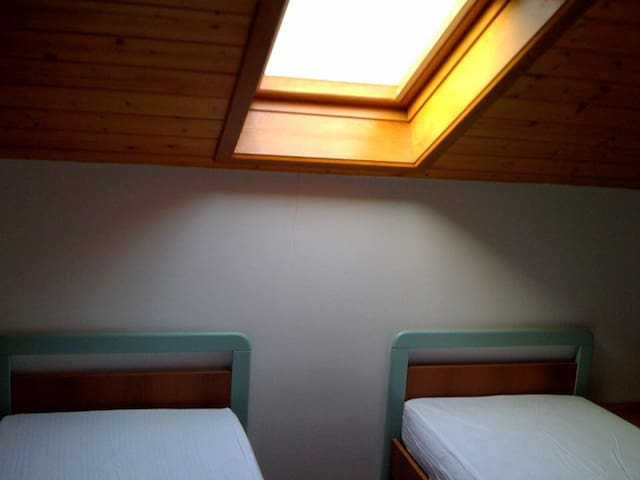 Camera due letti singoli