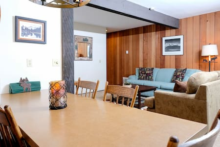 Charming Hideaway in the Center of Mammoth!
