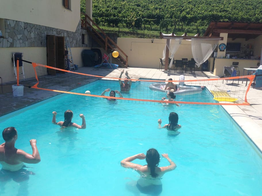 As the pool us 1.5m throughout, ideal for playing water volley