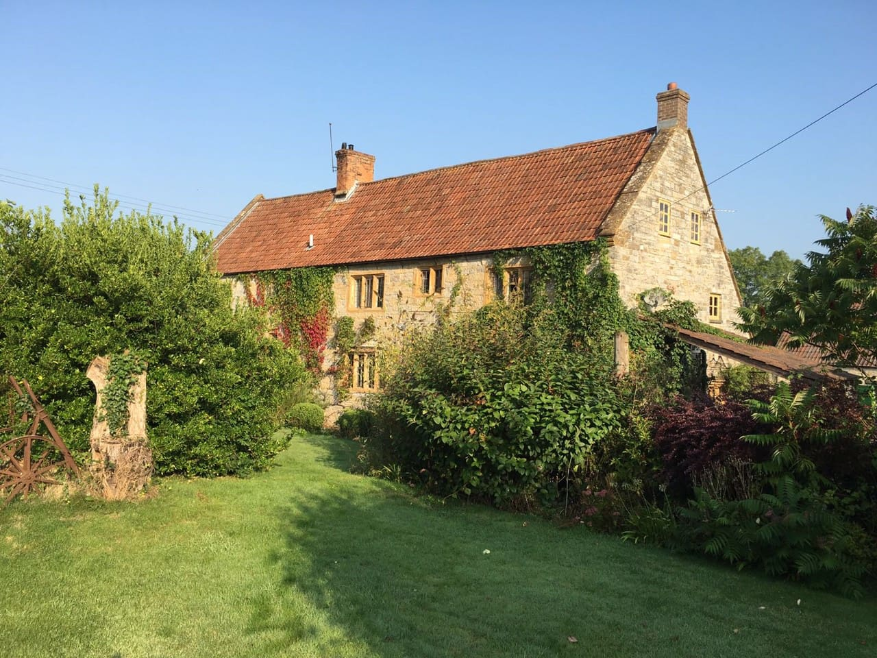 Stunning 16th century farmhouse set in the peaceful Somerset countryside
