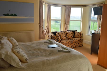 Stunning superking bed and en-suite shower - Bude - Bed & Breakfast