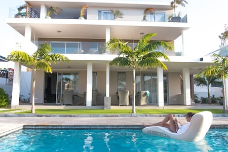 Spacious Private Apartment with Pool 2-4p | #4
