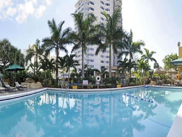 Good-Looking Room Standard At Fort Lauderdale Beach Area