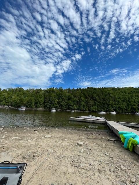 Бекка 's Boathouse 🛶 Cozy Lake House Retreat