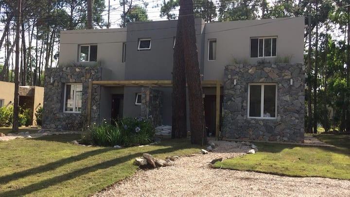 Hermosa y Moderna casa en Solanas Resort