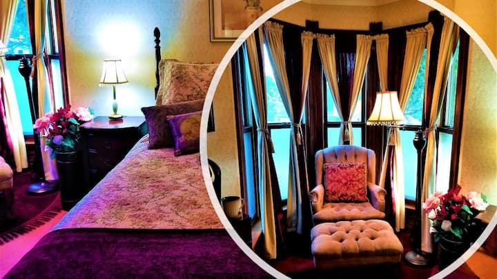 Bashnya Tower - Steampunk Manor Bed & Breakfast