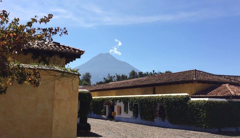 Casa Volcanes y fuentes