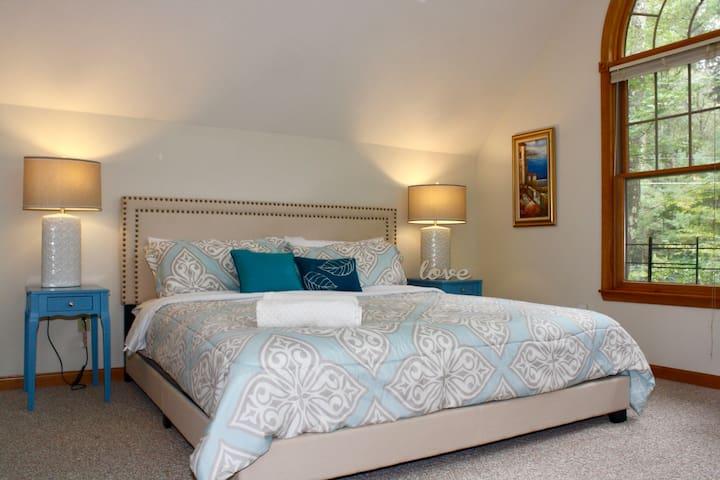 2nd Master Bedroom - 2nd Floor