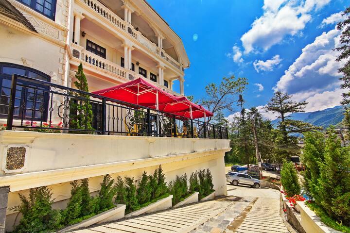 Phòng tiêu chuẩn 1 giường lớn (Lacasa SaPa Hotel)