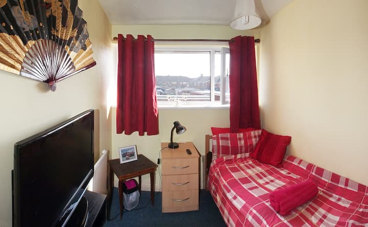Single bedroom in Drayton near QA hospital