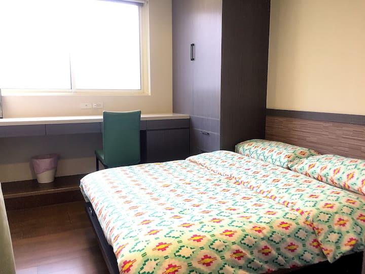 一月大特價【嘎逼的小窩5B】忠孝復興4人+客廳+樓中樓 Duplex Room MRT 2 mins