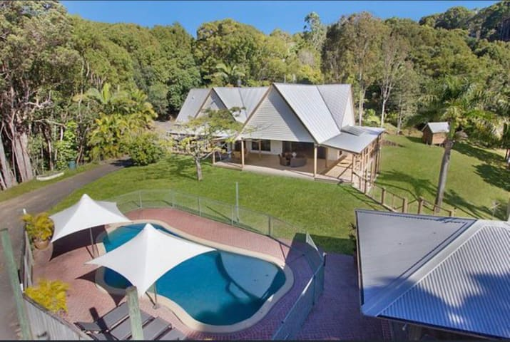 Hideaway at Gold Coast Country Lodge