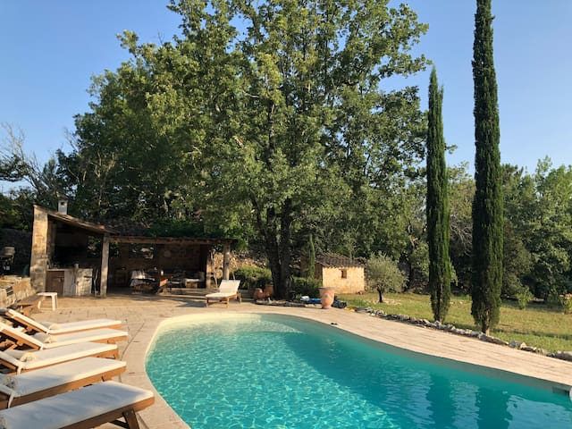 Beautiful villa with private pool and tennis